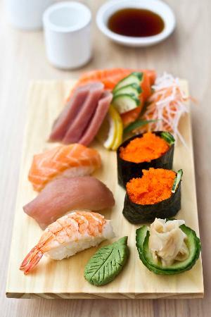 mushu sushi set