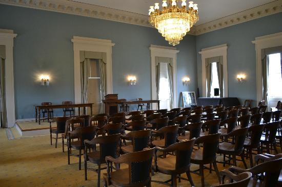 Old Capitol Museum : Senate Chamber