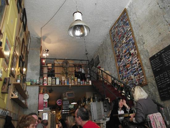 Le petit bouche : Lovely place, nice service but tasteless food.