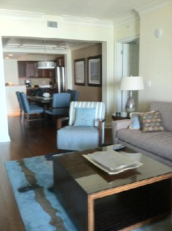 Emerald Grande at HarborWalk Village: wyndham's Presidential 3/3 condo room P46