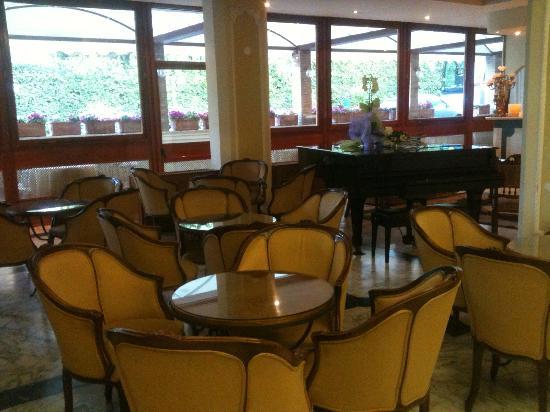 Park Hotel Villaferrata: salotto reception