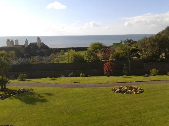 Sidmouth Harbour Hotel: View from the bedroom to the South