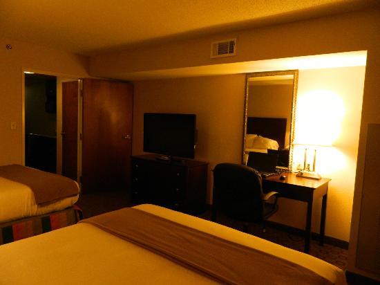 Holiday Inn Express Petersburg-Fort Lee: Bedroom