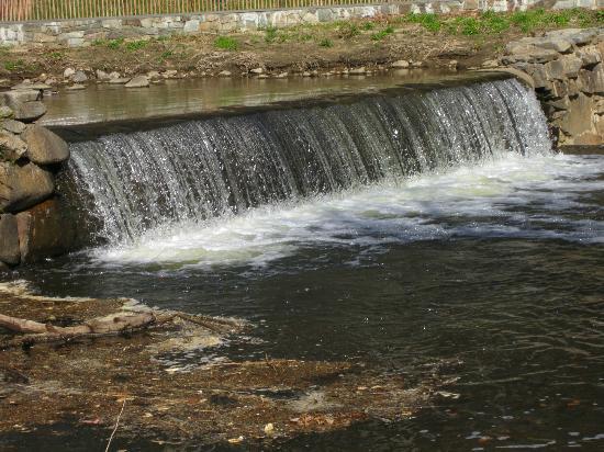 Rock Creek Park: Waterfall