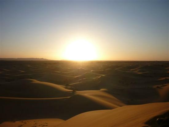 Kasbah Azalay Merzouga: Sunset in the Dunes