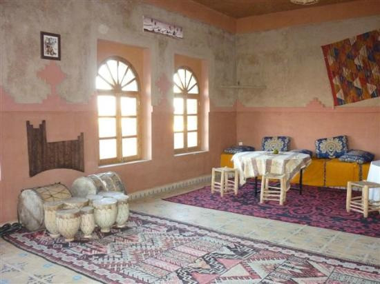 Kasbah Azalay Merzouga: Tea salon
