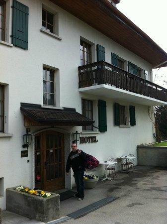 Hotel de Gruyères Wellness & Seminaires : the hotel entrance