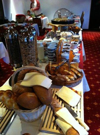 Hotel de Gruyères Wellness & Seminaires : Breakfast!