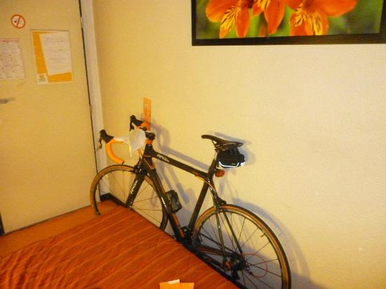Premiere Classe Lille Ouest-Lomme : Bike in the Room :D