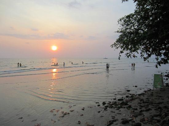 Alina Grande Hotel & Resort: Sunset at the beach