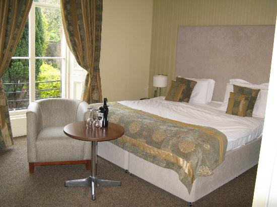 The Salisbury Hotel: Newington