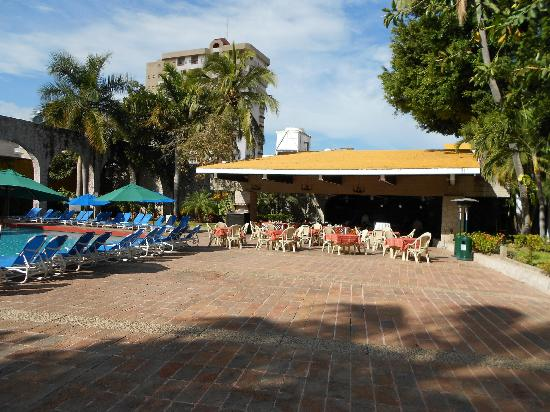 "El Cid Granada Country Club : El Cid ""El Patio"" Restaurant"