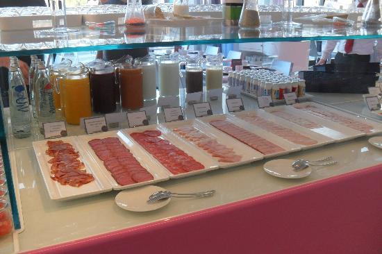 โรงแรม นโฮว เบอร์ลิน: colazione