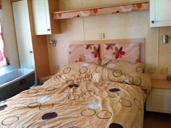 Hoburne Devon Bay: enough room for a baby crib