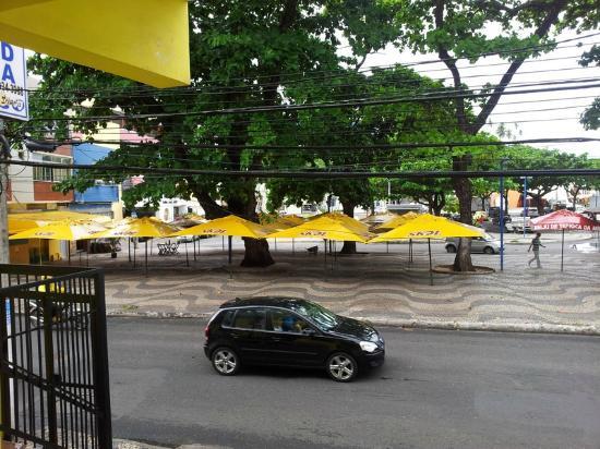 Pousada Solaris : Praça em frente a pousada