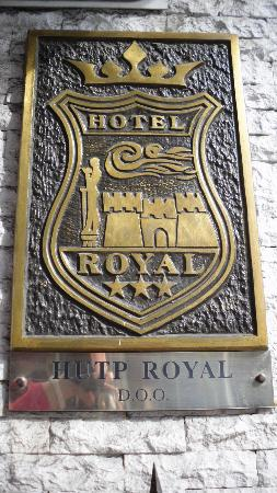 Royal Hotel: Logo