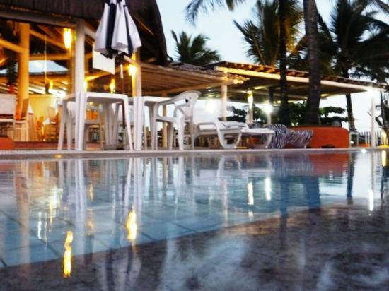 Mar Paraiso Resort : piscina al atardecer