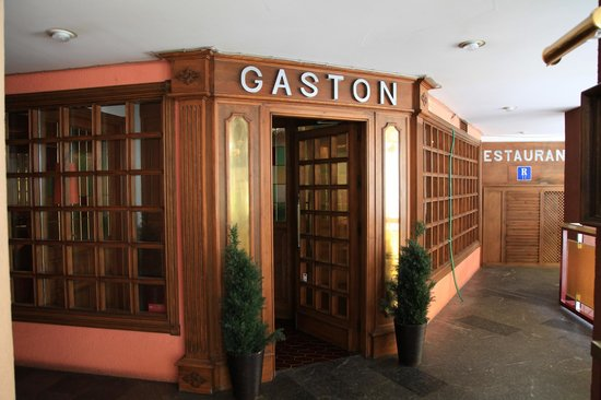 Gaston : Entrada