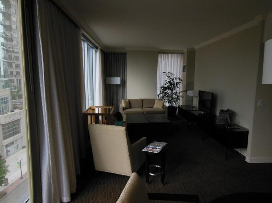 Loews Atlanta Hotel: Room