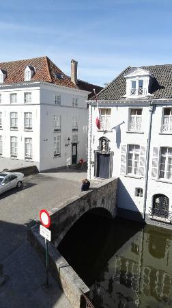 Bryghia Hotel: Vista al canal desde la habitación