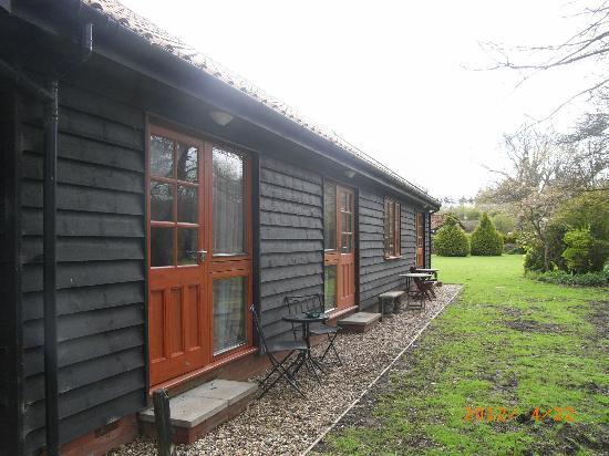 Kettleburgh, UK: rooms facing to river