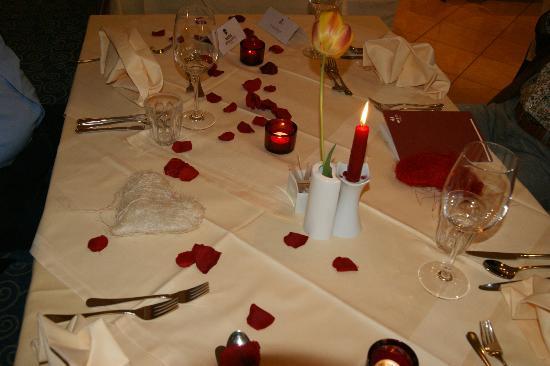 Maiers Hotel Oststeirischer Hof: Stimmungsvoll gedeckter Tisch