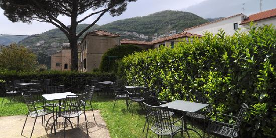 Toro Hotel: Il giardino\The garden