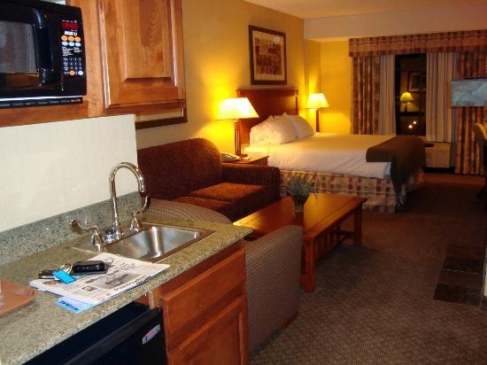 Holiday Inn Express Hotel & Suites St. George North-Zion: our room