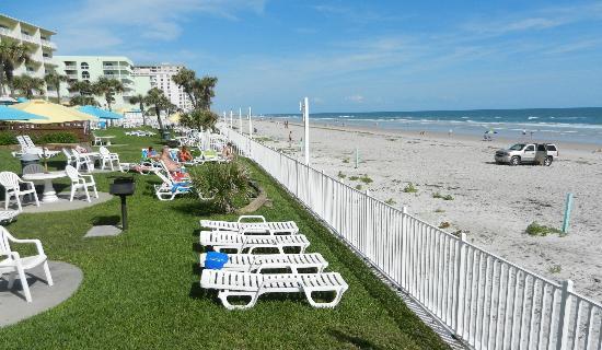 Perry's Ocean Edge Resort: Hotel Grounds and Daytona Beach