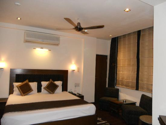 Hotel Arpit Palace: Room