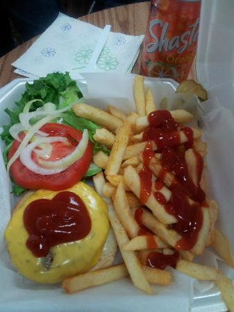 Big Drew's Eatery: cheeseburger w/all fixins and fries for the kids