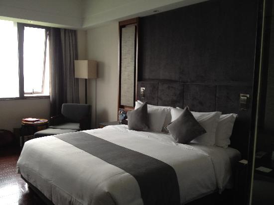 Worldhotel Grand Dushulake Suzhou: Room with King Size bed