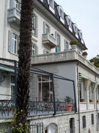 Ghiffa, Italy: hotel frontzicht meer