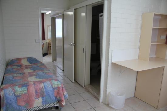AZA Motel: Family room