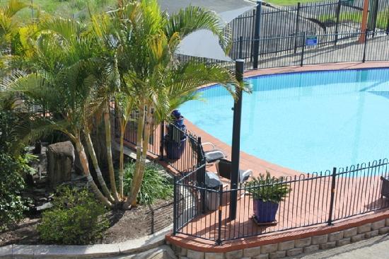 AZA Motel: Pool