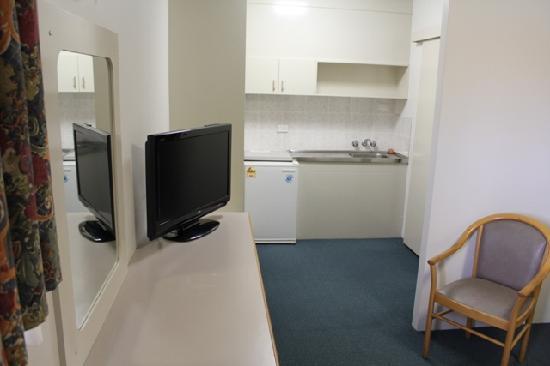 AZA Motel: Room