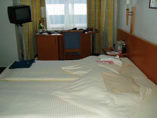 Hotel Air in Berlin : Bedroom