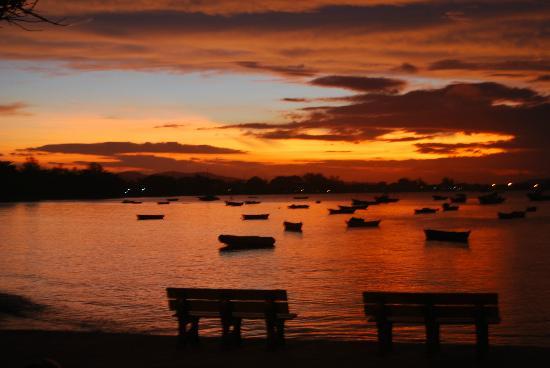 Armacao Beach: Por do Sol Armaçao dos Buzios