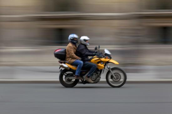 Photo Tours of Paris: yellow bike