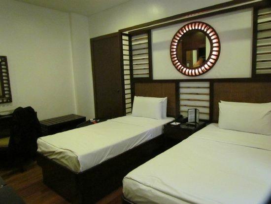 Manila Lotus Hotel (Formerly Lotus Garden Hotel): Notre chambre