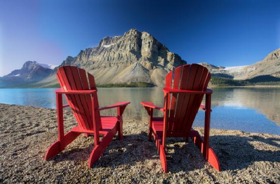 Lake Louise, Canada: Overlooking Bow Lake, Banff NP