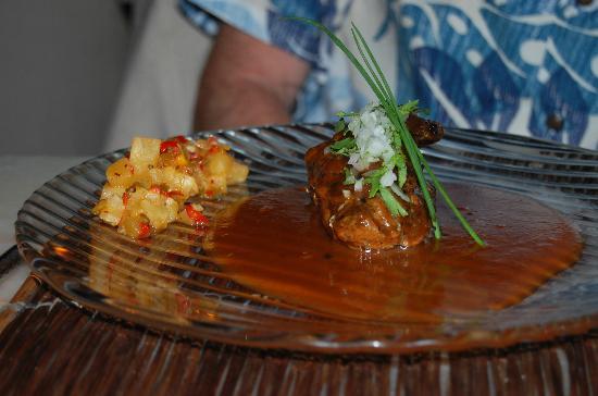 Espuma Mediterraneo : Lomo (pork) with delightful pineapple salsa and perfectly spiced sauce