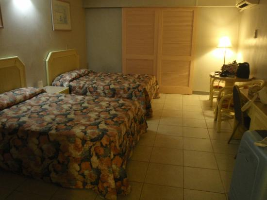 Tumon Bay Capital Hotel: bedroom