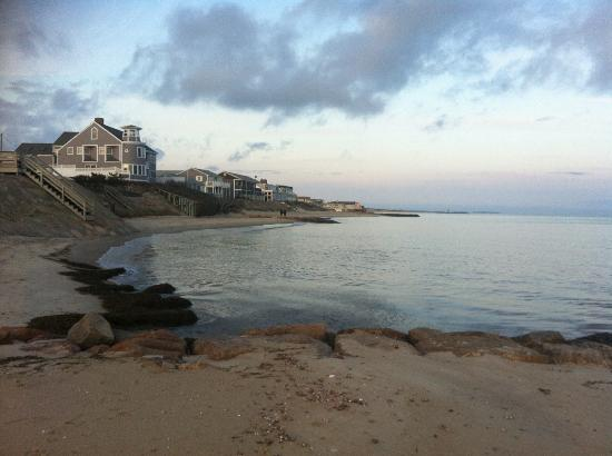 Dennis Port, MA : Sunset walk on the beach