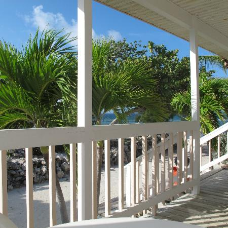 Paradise Villas: The porch view south
