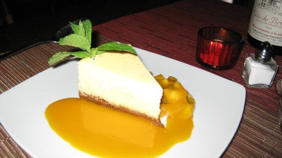 Cheesecake with mango sauce