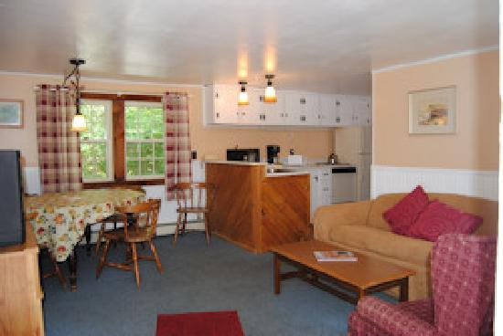 Sky Valley Motel & Cottages: Well maintained spacious 2 bedroom cottages