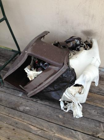 Florida Beach Hotels: Burned garbage can by the Tiki Bar
