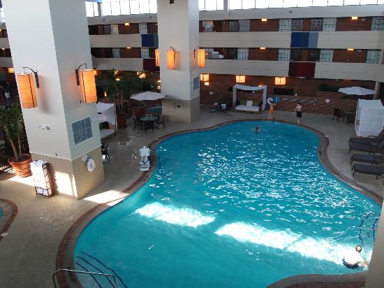 Indoor pool picture of the inn at opryland a gaylord hotel nashville tripadvisor for Gaylord opryland hotel swimming pool