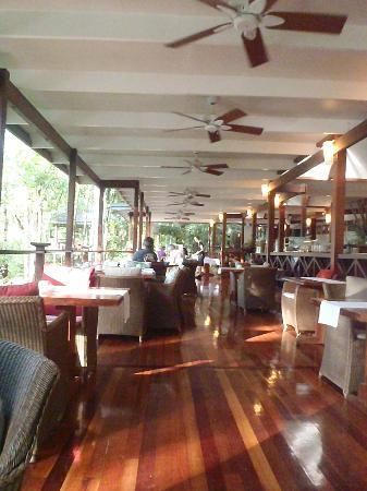 Silky Oaks Lodge : Dining room
